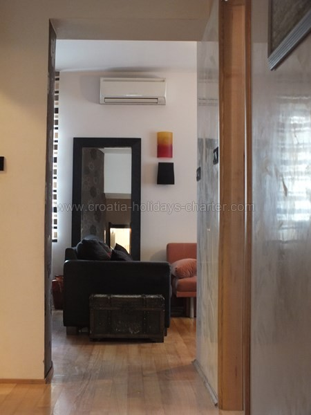 Appartamento split affito appartmenti e case vacanza in for Soggiorno in croazia